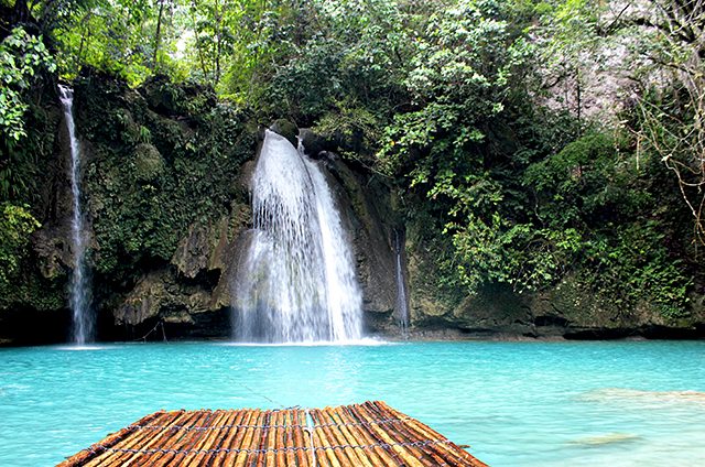 worlds-most-beautiful-waterfalls-kawasan-falls-philippines
